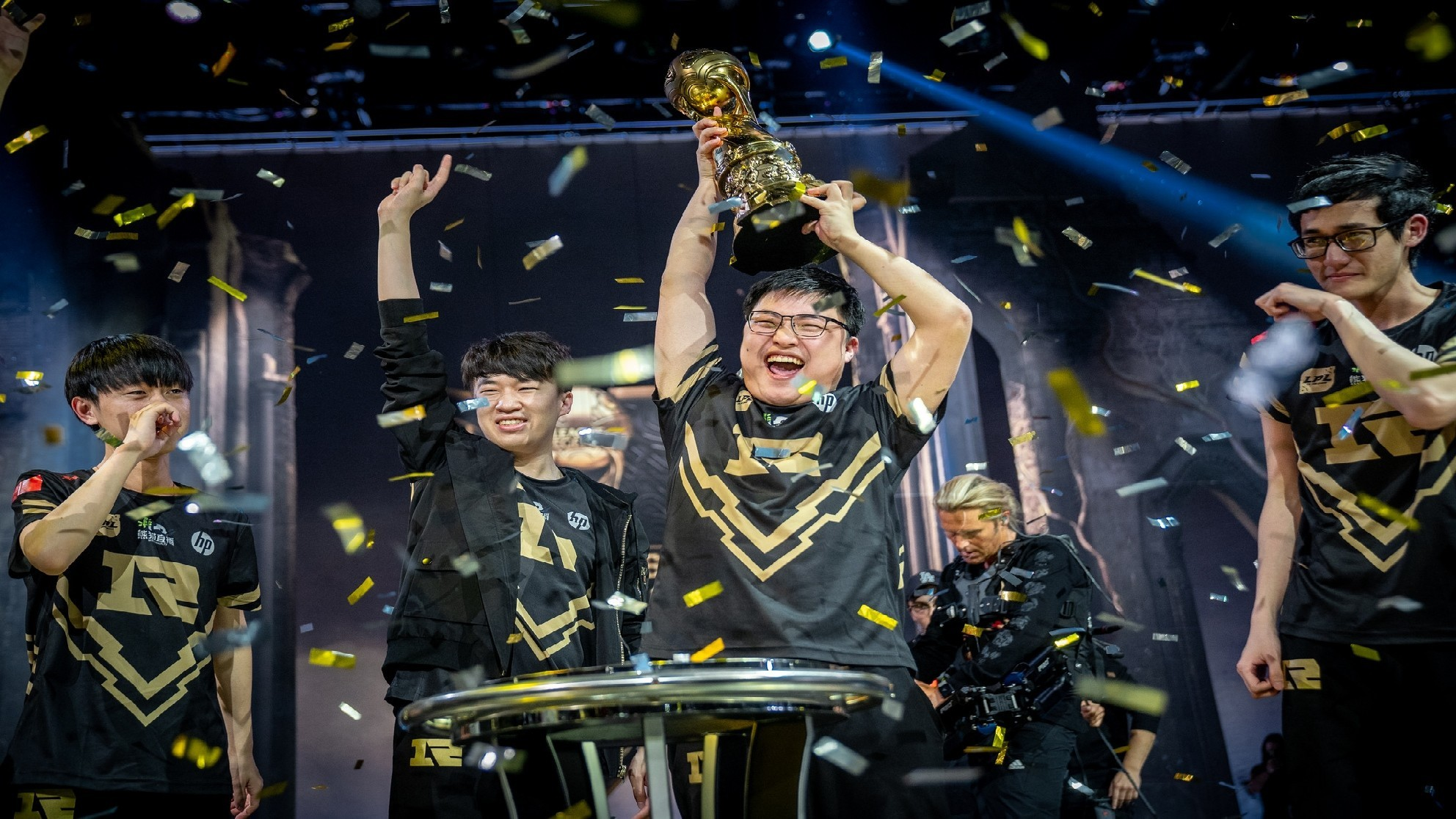 And the trophy goes to … Royal Never Give Up!
