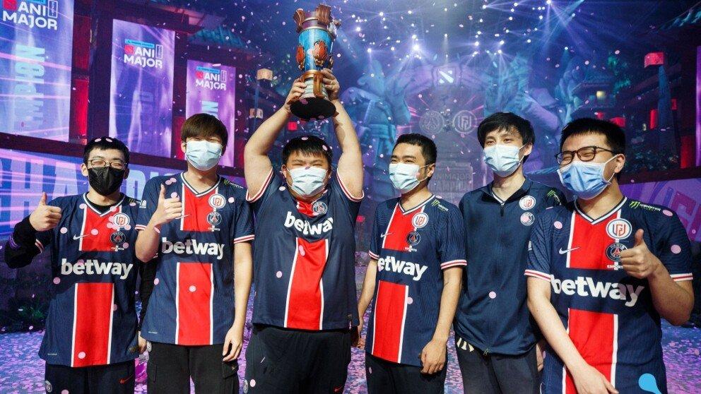 Chinese Teams Return Home